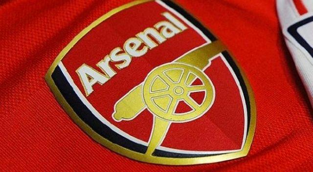 Arsenal, 7 futbolcusuyla yollarını ayırdı