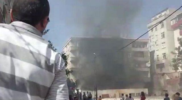 Bağcılar'da yangın paniği! Mahalle sakinleri sokağa döküldü