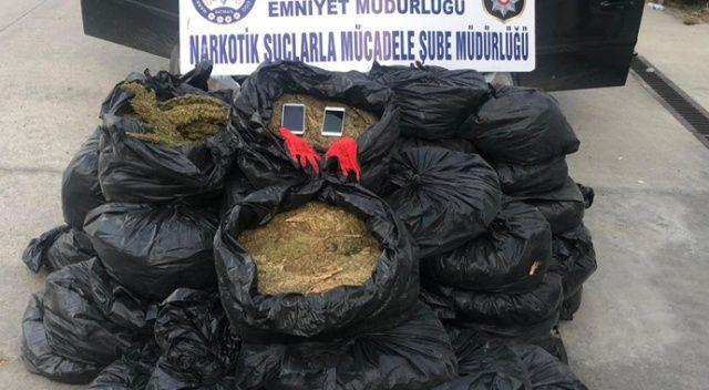 Dur ihtarına uymayarak kaçan araçtan 239 kilogram uyuşturucu çıktı