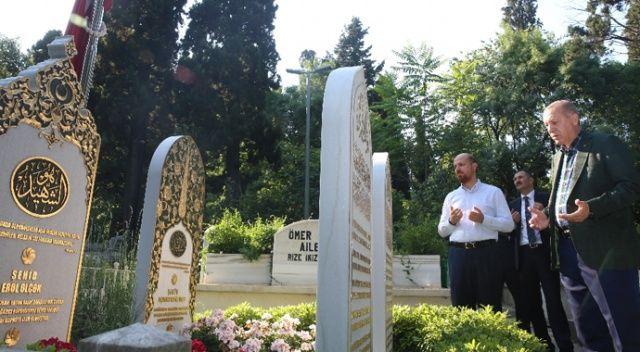 Erdoğan, 15 Temmuz şehidi Erol Olçok'un mezarını ziyaret etti