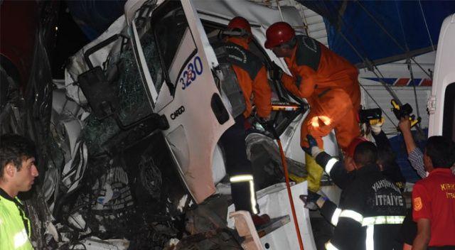 Kırıkkale'de sabaha karşı feci kaza: 2 ölü