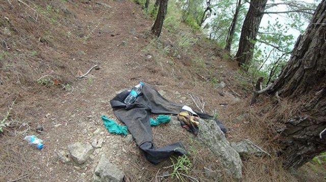 Kıyafetleri ağacın altında bulundu! Her yerde aranıyor