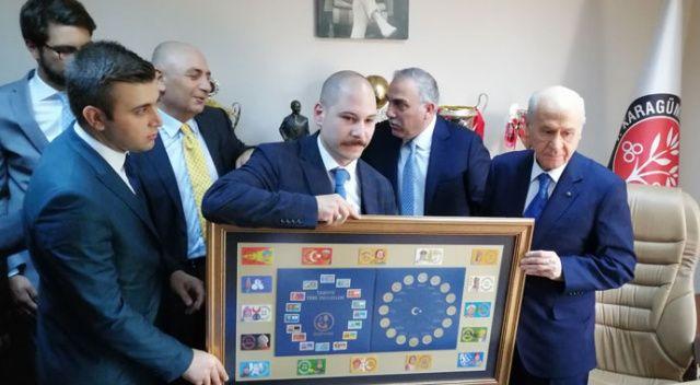 MHP lideri Devlet Bahçeli, Karagümrük Spor Kulübü'nü ziyaret etti