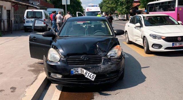 Sakarya'da iki otomobil çarpıştı: 1'i çocuk 4 yaralı