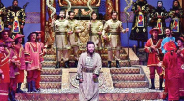 Turandot'lu başlangıç