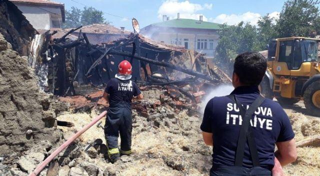 Amasya'da samanlık yangını: 10 ton saman kül oldu