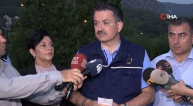 Bakan Pakdemirli: Muğla'daki yangın kontrol altında, söndürme çalışmaları devam ediyor