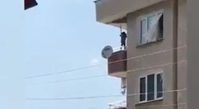 Bursa'da küçük çocuğun balkonda ölümüne oyunu