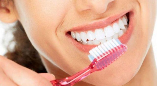 Diş fırçalarken bu noktalara dikkat!