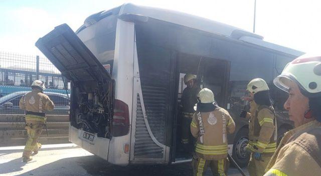 Esenyurt'ta metrobüs yangını