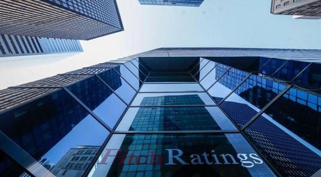 Fitch, Türkiye'nin kredi notunu indirdi