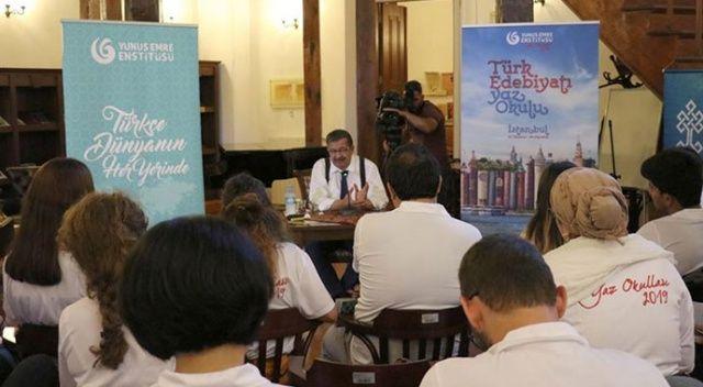 Hayati İnanç, 'Türk Edebiyatı Yaz Okulu'na konuk oldu