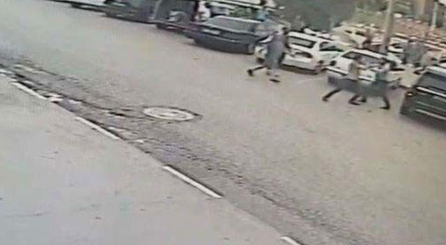 Kavgayı ayırmaya çalışan baba, cadde ortasında silahla vuruldu