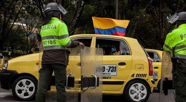 Kolombiya'da taksicilerden Uber protestosu