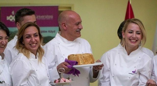 Maltepe Üniversitesi profesörleri mutfakta