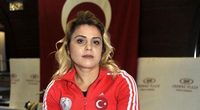 Milli sporcu Nazmiye Muratlı'dan gümüş madalya