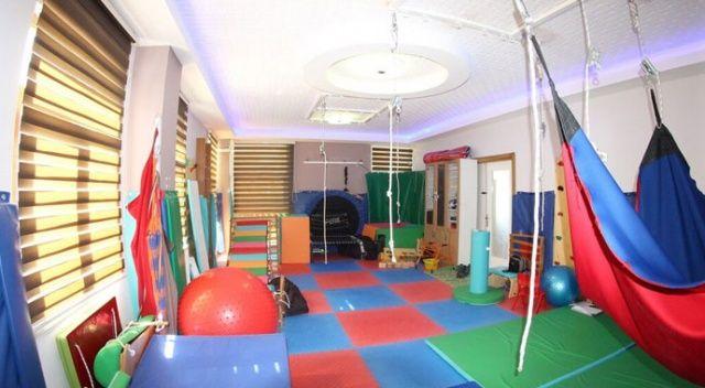 Özel çocuklara beş dilde özel eğitim