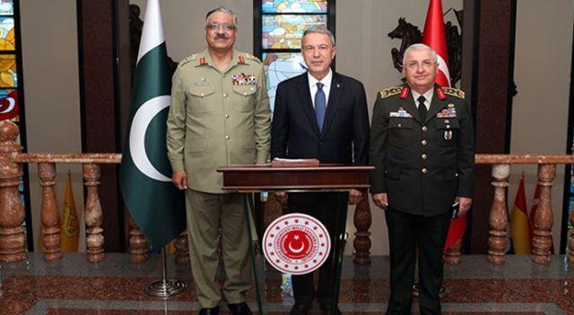 Pakistan Genelkurmay Başkanı Hayat, Bakan Akar'ı ziyaret etti
