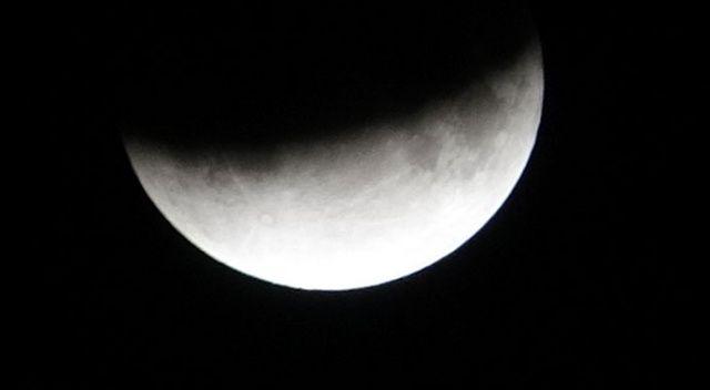 Parçalı Ay Tutulması Van'dan da izlendi