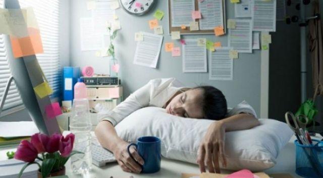 surekli uyku halsizlik yorgunluk nedenleri nasil gecer uyku sorunu neden olur sebebi nedir ne yapilir