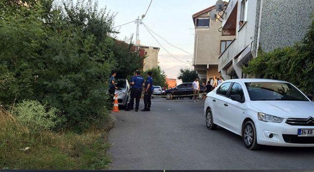 Ümraniye'de silahlı 3 şahıs bir kişiye kurşun yağdırdı