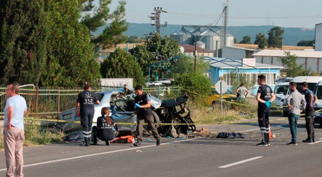 Edirne'de otomobil duvara çarptı: 4 ölü, 2 yaralı