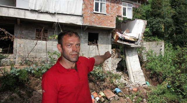 Yol genişleme çalışmasının ardından yağan şiddetli yağmur evi yıktı