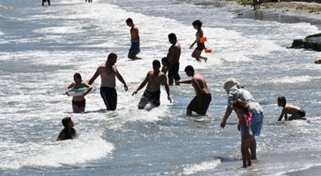 'Denize girmek yasaktır' uyarısı durduramadı