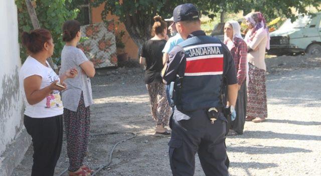 3 çocuk annesi kadın evinin önünde silahla vurularak öldürüldü!