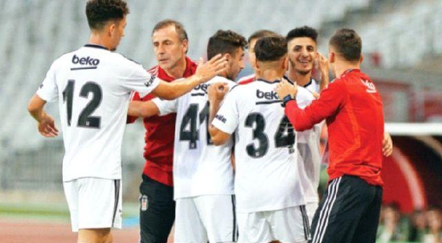 Beşiktaş'ın yeni hocası geleceğin temellerini atıyor