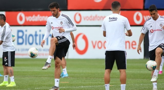 Beşiktaş'ın yeni transferleri Sivas kafilesinde yer aldı