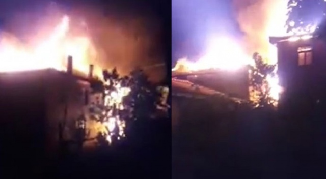 Bolu'da 2 ev alev alev yandı