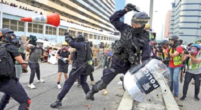 Hong Kong'da meydan savaşı!