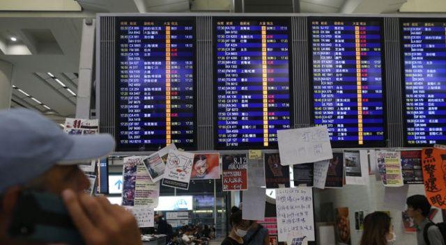 Hong Kong Uluslararası Havalimanı'ndaki tüm uçuşlar iptal edildi