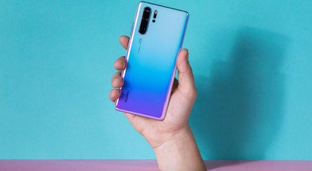 """Huawei P30 Pro'ya """"En  İyi Akıllı Telefon"""" ödülü"""