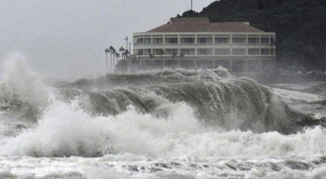 Japonya'da Krosa tayfunu