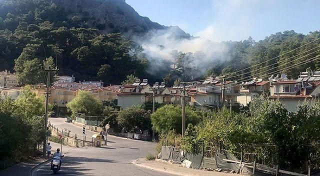 Marmaris'te yerleşim yerlerine yakın noktada orman yangını