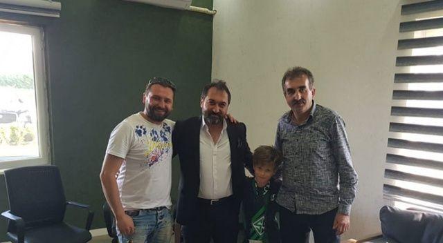 Minik taraftar bayram harçlığını Başkan Nalbant'a teslim etti
