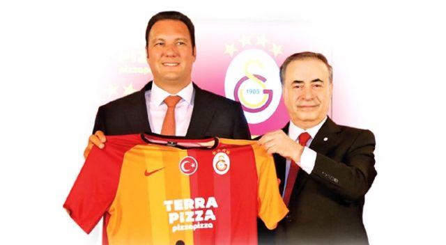 Mustafa Cengiz yeni sponsorundan memnun