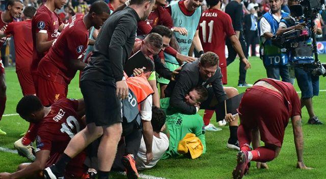 Sahaya atladı, futbolcular sakatlık riski yaşadı