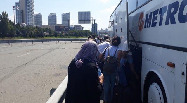 Şehirler arası yolcu otobüsü arıza yaptı yolcular mağdur oldu