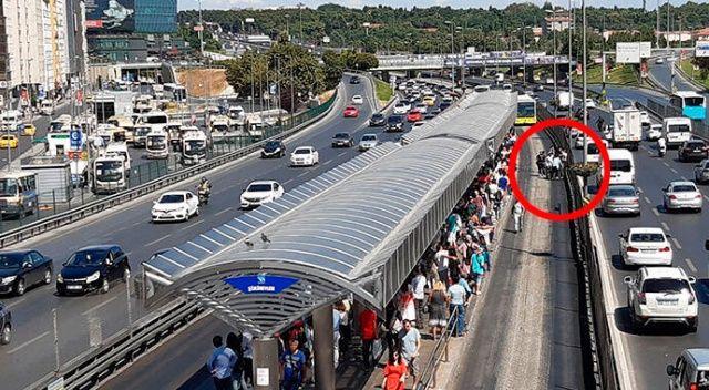 Şirinevler'de bir genç metrobüsün altında kaldı