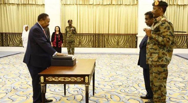 Sudan'da Abdullah Hamadok geçiş dönemi başbakanı olarak yemin etti