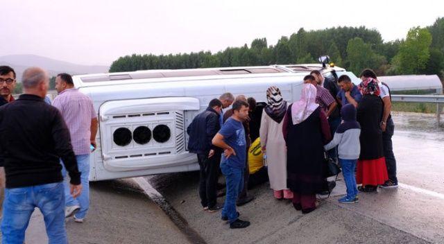 Tokat'ta minibüs devrildi: 3 yaralı