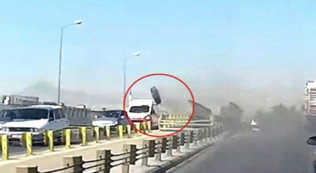 Akılalmaz kaza! Seyir halindeki kamyonun tekerleği araçların üzerine fırladı