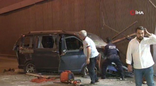 Başkent'te minibüs alt geçide uçtu: 1'i ağır 3 yaralı