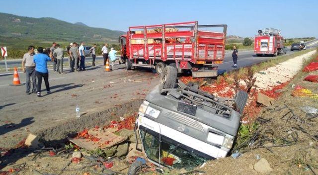 Bilecik'te kamyon ile kamyonet çarpıştı: 3 yaralı