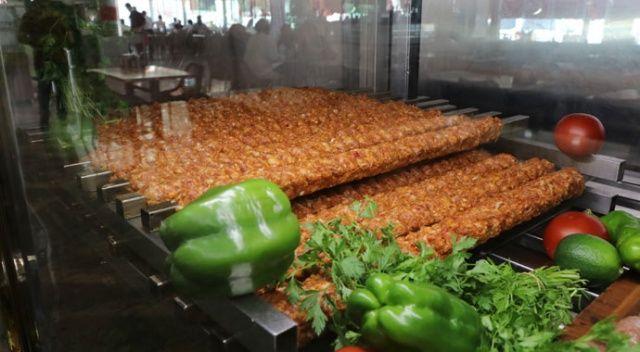 250 bin kişi beklenen Lezzet Festivali'nde 25 ton et tüketilecek ile ilgili görsel sonucu