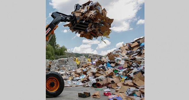 Dış borcu kapatacak servet çöpte yatıyor