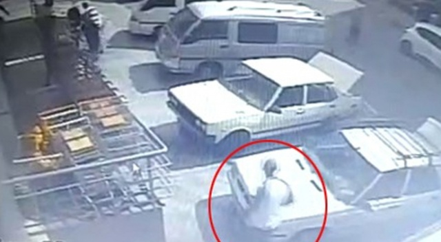 Emekli polis memuruna sopalı saldırı